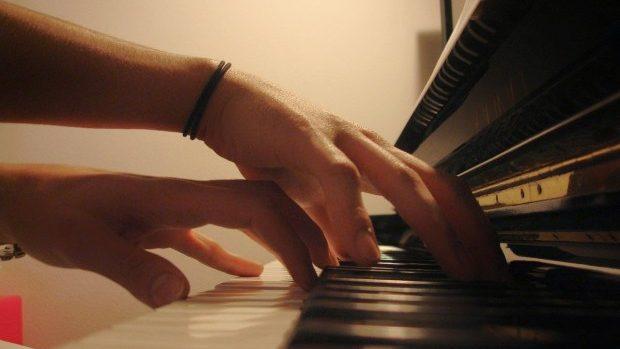 La Chișinău se desfășoară Concursul Internațional al Tinerilor Pianiști din Moldova și Italia