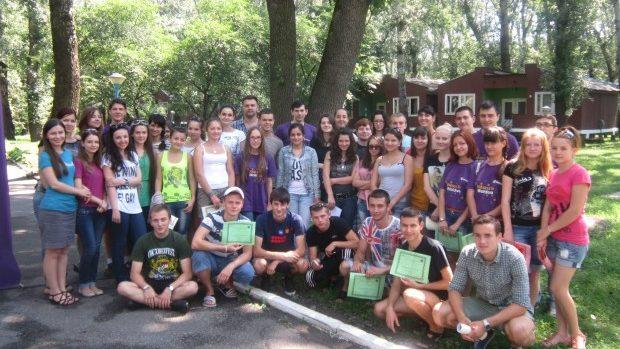 Tinerii de 15-20 ani sunt așteptați să participe la Tabăra de vară de Jocuri Intelectuale