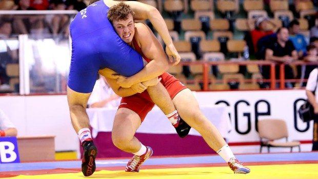 Două medalii pentru Moldova la Campionatul Mondial de lupte libere rezervat cadeți