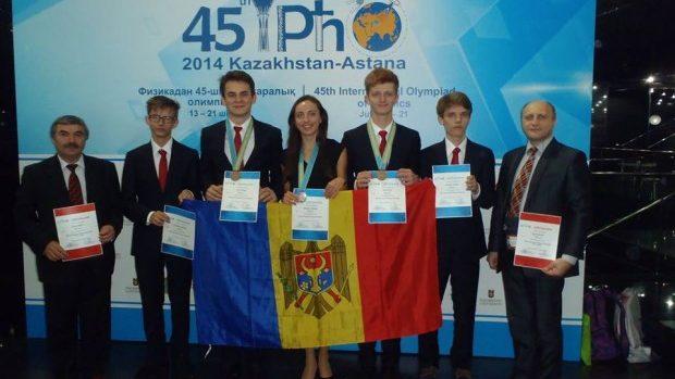 Elevii moldoveni au obținut patru medalii la două olimpiade internaționale
