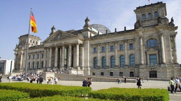 Aplică la Bursa Parlamentară Internaţională a Bundestagului German 2015