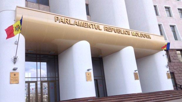 Aproape 150 de legi adoptate de Parlament în sesiunea de primăvară