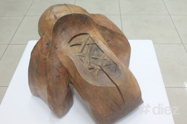 """Sculptura """"Cocher"""", portret al câinelui său, Gheorghe Gheorghiță Vornicu"""