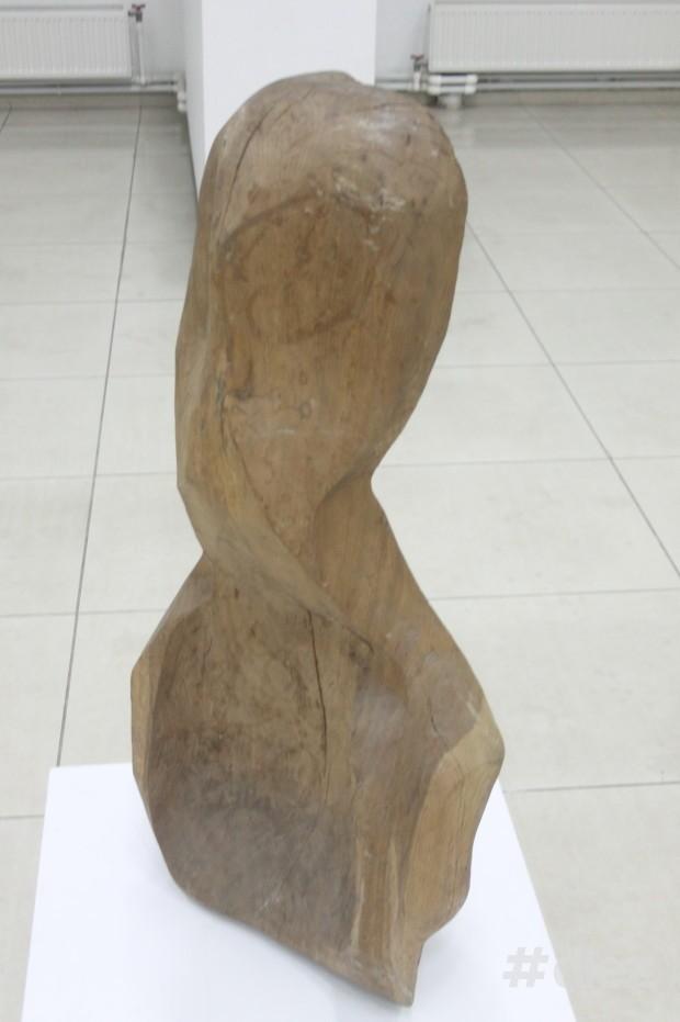 """Sculptura """"Muzica"""", Gheorghe Gheorghiță Vornicu"""