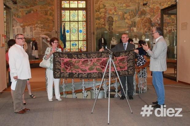 Covorul donat muzeului de către colecționarul belgian Marc Van Wesemael. PC: #diez/Eugenia Tataru