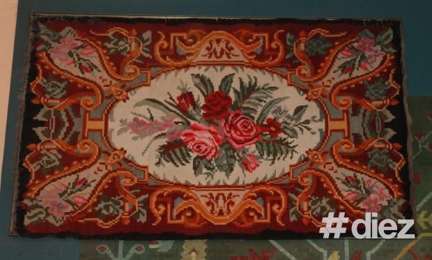 Covor expus în sala Muzeului Național de Etnografie și Istorie Naturală. PC: #diez/Eugenia Tataru