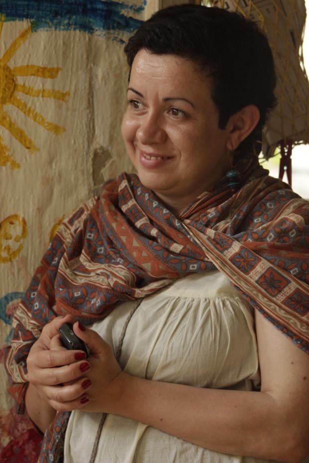 """O reprezentantă a comunității """"Cocoșul Roșu"""", care a fost gazda evenimentului organizat de grupul de inițiativă"""