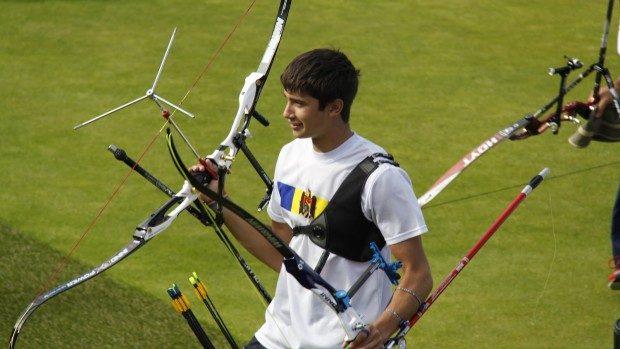 Arcașul Dan Olaru a cucerit două medalii de argint la Cupa Europei Tineret 2014