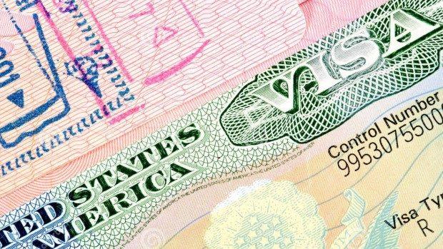 SUA a suspendat eliberarea vizelor pentru toate țările lumii