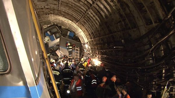 O persoană din Moldova a decedat, iar alte șase au fost rănite în accidentul de metrou din Moscova