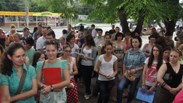 ADMITERE 2014: Sute de tineri interesați de a face studii în medicină și farmacie