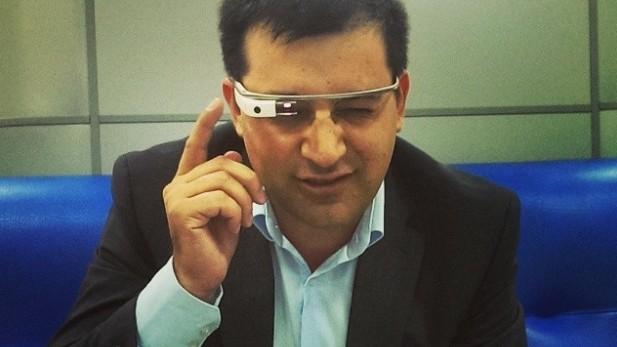 (foto) Ochelarii de la Google au ajuns la Chișinău și costă 2.000 – 2.500 euro