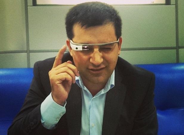 Vitalie Eșanu testează Google Glasses PC: Artur Gurău