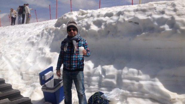 Artistul Pavel Brăila a impresionat publicul rus cu zăpadă conservată și vin de casă