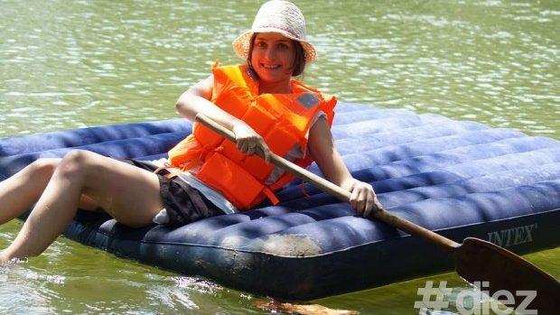 (foto) Îndrăgostiți-vă de râul Nistru la o cursă pe saltele gonflabile