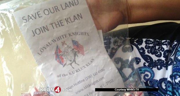 Ku Klux Klan împarte bomboane locuitorilor din Carolina de Sud