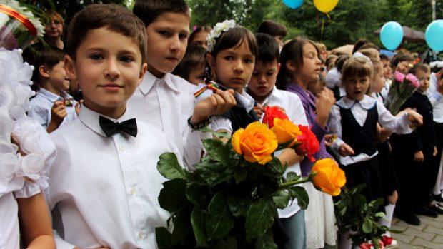 Abecedare pentru cei 34 de mii de copii care merg la 1 septembrie în clasa I