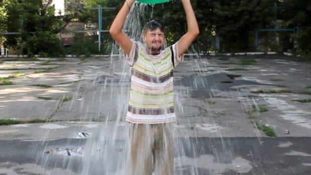 (video) Ice Water Bucket Challenge: #diez a răspuns provocării și i-a provocat pe Gurău, Mardare și Bolocan