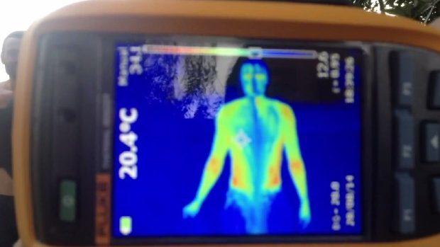 (video) Corpul uman în timpul Ice Bucket Challenge văzut în infraroșu