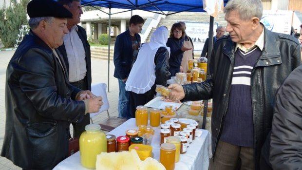 (foto) La Bălți a fost inaugurată prima ediție a Festivalului Mierii