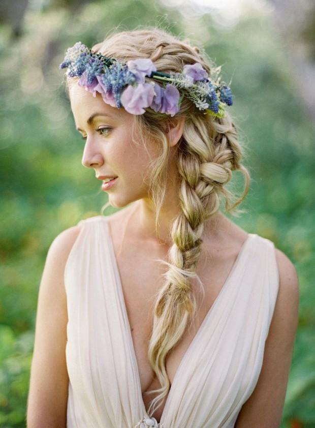 Foto Cele Mai Frumoase Coafuri De Mireasă Cu Fructe şi Flori