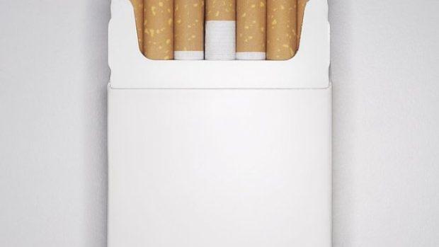 Franţa devine a doua ţară din lume care introduce pachetele neutre de ţigări