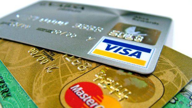 Un tânăr din Chișinău și-a cumpărat fraudulos bilete de avion în suma de 161 mii lei