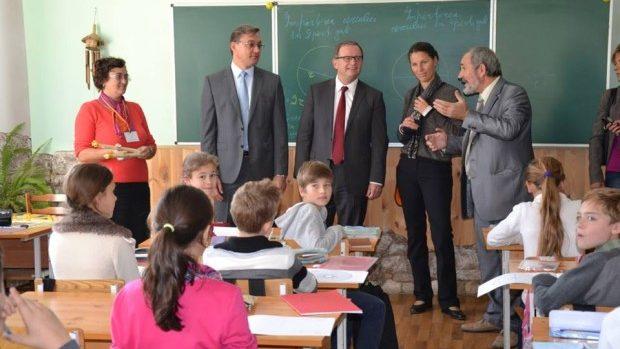 Tinerii, îndemnați să beneficieze de perspectivele de integrare europeană a Moldovei