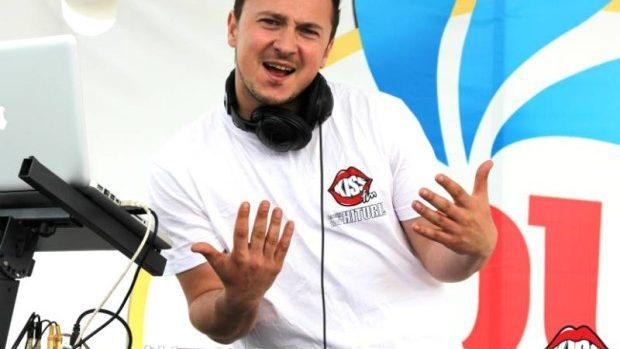 Kiss FM angajează Prezentator Emisiuni / DJ