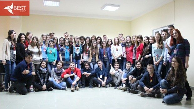 30 membri noi ai BEST Chișinău se plimbă cu mândrie prin Moldova