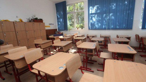 Mai multe școli au fost dotate cu tehnică de calcul şi mobilier nou