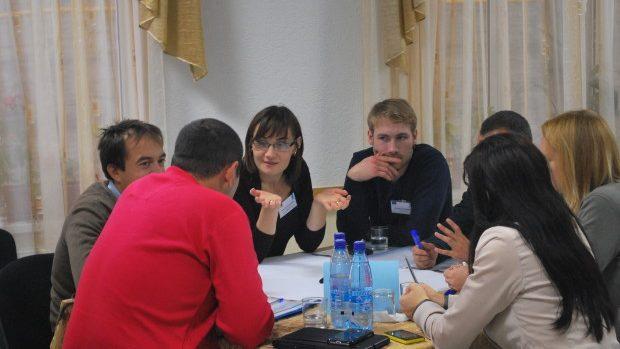(foto) Tineri de pe ambele maluri ale Nistrului au creat o platformă de colaborare în afaceri