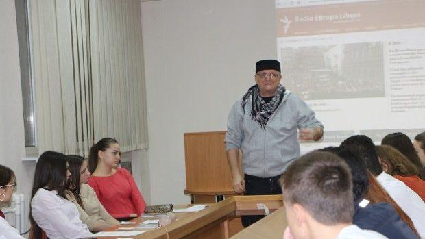 Studenții de la ASEM au discutat despre consumul media cu jurnalistul Vasile Botnaru
