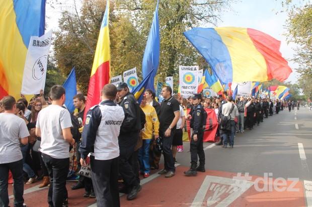 Marşul pe strada Kiseleff din Bucureşti