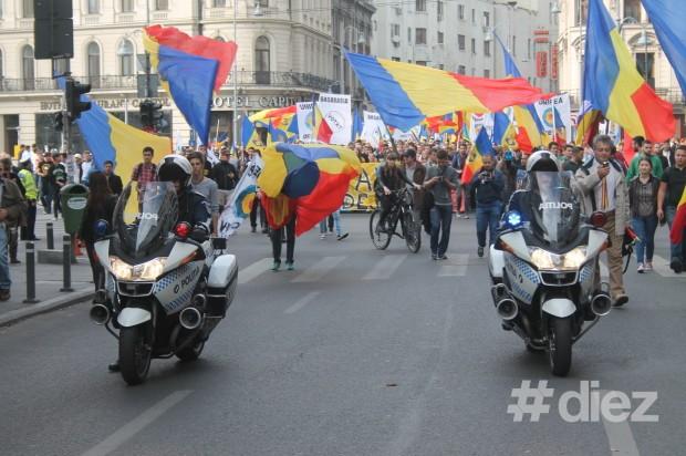 Poliţia a supravegheat întregul marş şi a redirecţionat transportul din regiune