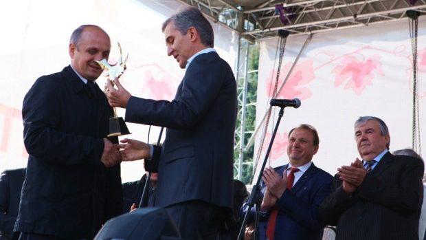 """(foto) """"Vinăria din Vale"""" a obținut marele premiu la Ziua Națională a Vinului 2014"""