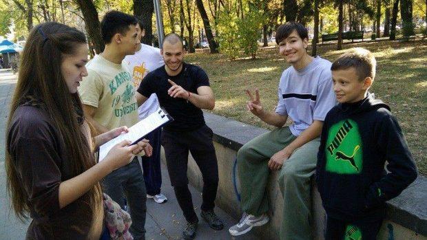(foto) CUC-ul a ieșit pe stradă, iar chișinăuienii au fost luați la întrebări de cultură generală