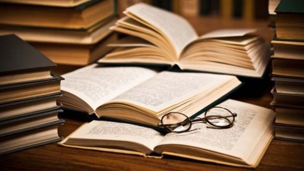 15 site-uri unde puteți găsi și descărca cărți în limba română