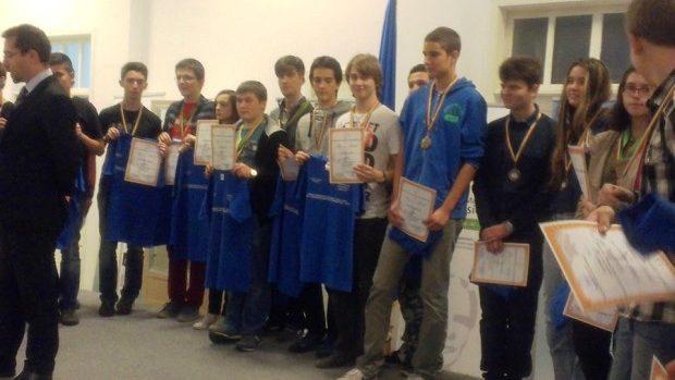 """Liceul Orizont aduce acasă 4 medalii de la """"Romanian Masters in Informatics 2014"""""""