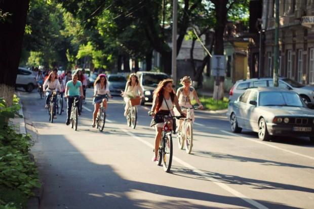 Fete pe biciclete