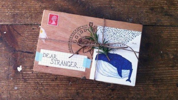 (foto) Fă schimb de cadouri cu o persoană necunoscută și găsește-ți noi prieteni
