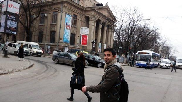 Moldova prin ochii unui blogger englez: Femeile ar fi mai frumoase, dacă ar zâmbi mai des