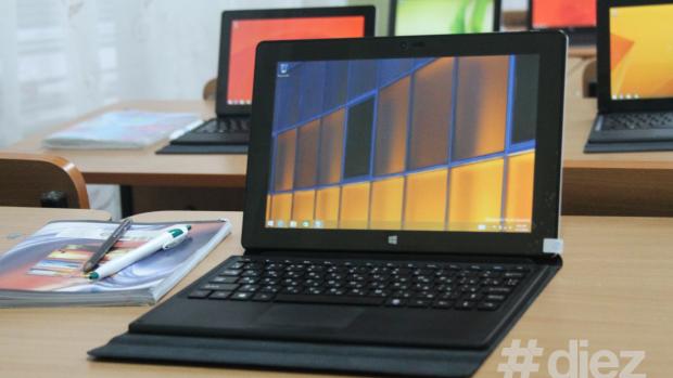 (foto, video) Viitorul școlilor din Moldova: Table digitale și caiete înlocuite cu laptopuri