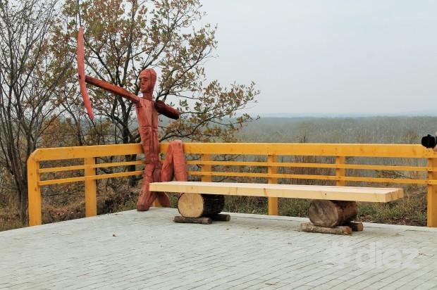 Sculpturi amplasate pe teritoriul pensiunii