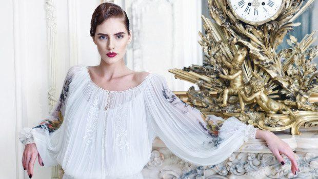 (foto) Colecția toamnă/iarnă a Valentinei Vidrașcu – un omagiu adus Reginei Maria