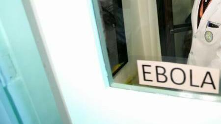 O fetiță din Mali ar fi infectat peste 100 de oameni cu virusul Ebola