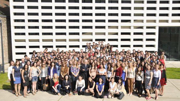 Burse la Colegiul Europei pentru studenții din Moldova