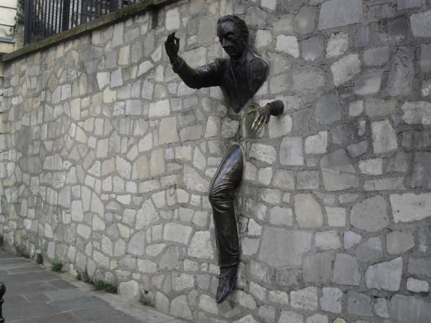Bărbatul din zid, PC: jolieaparis.com