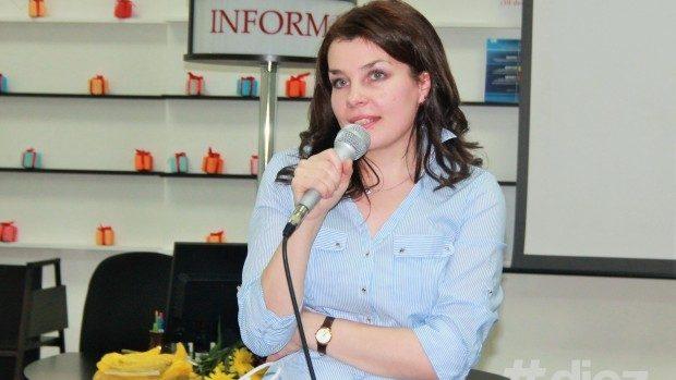 """(foto) Lansarea romanului de dragoste """"Regina Nopţii""""- debutul literar al Liliei Calancea"""