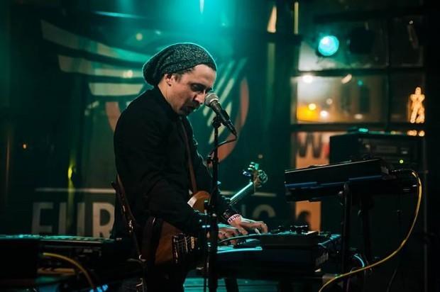 Igor Buzurniuc, membrul formației AmberTraps la Festivalul Eurosonic Noorderslag. PC: Facebook/Igor Buzurniuc